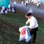 花火大会後の早朝清掃に参加